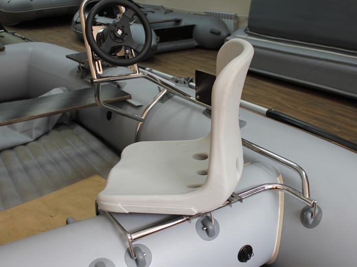 как установить поворотное кресло на лодку пвх