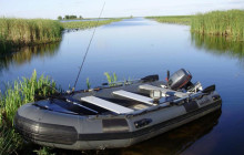 Резиновая лодка под мотор