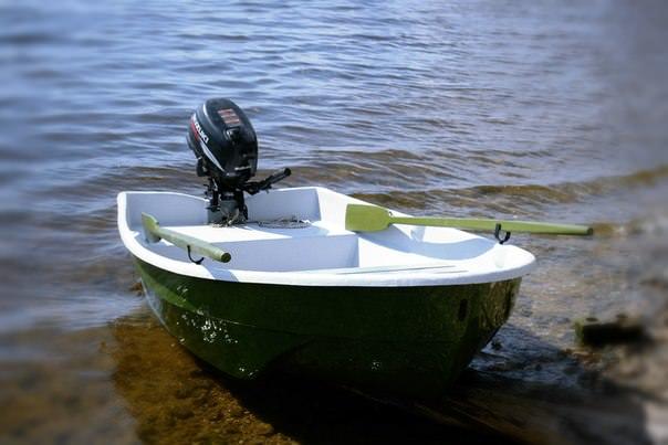 «Афалина-255» - бюджетная пластиковая лодка под мотор